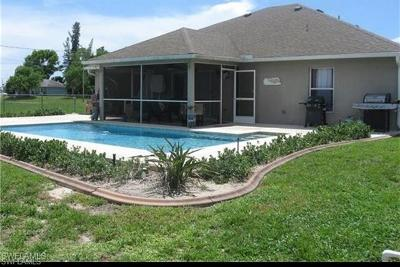 Cape Coral Single Family Home For Sale: 307 NW 3rd Pl