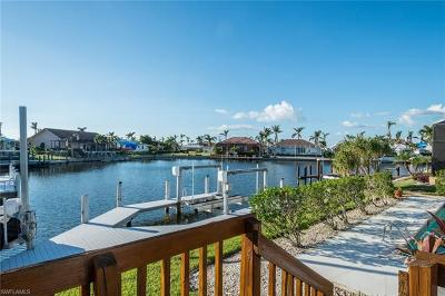 Marco Island Single Family Home For Sale: 160 Post Ct