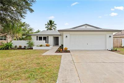 Fort Myers Single Family Home For Sale: 856 Creighton Dr