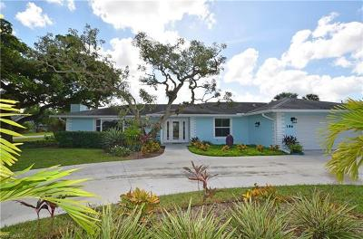 Naples Single Family Home For Sale: 186 Mentor Dr