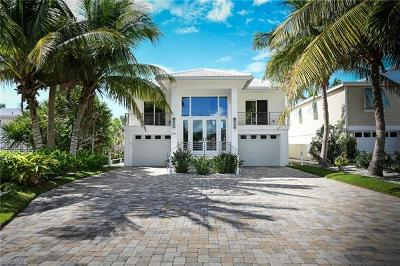 Bonita Springs Single Family Home For Sale: 27790 Hickory Blvd