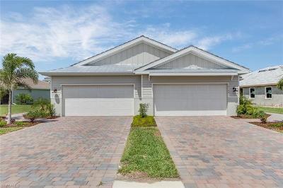Naples Single Family Home For Sale: 14744 Edgewater Cir
