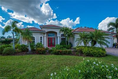 Bonita Springs Single Family Home For Sale: 24810 Avonleigh Ct