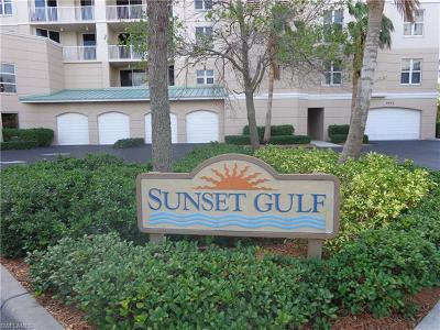 Fort Myers Beach Condo/Townhouse For Sale: 4192 Bay Beach Ln #883
