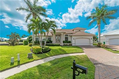 Marco Island Single Family Home For Sale: 947 Hunt Ct