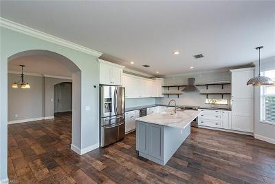 Naples Single Family Home For Sale: 1670 Birdie Dr