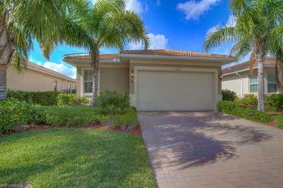 Fort Myers Single Family Home For Sale: 10438 Materita Dr