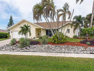 Marco Island Single Family Home For Sale: 1958 Sheffield Ave
