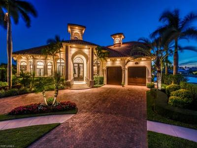 Marco Island Single Family Home For Sale: 510 Mangrove Ct