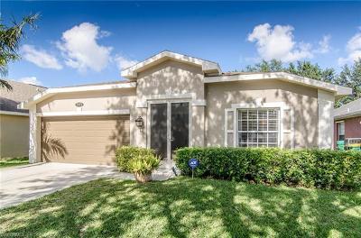 Naples Single Family Home For Sale: 15072 Savannah Dr