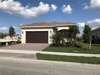 Fort Myers Single Family Home For Sale: 11511 Riverstone Ln