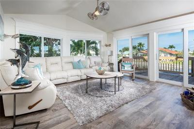 Marco Island Single Family Home For Sale: 1672 Villa Ct