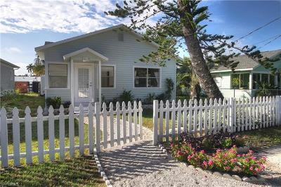Naples Single Family Home For Sale: 1212 Solana Rd