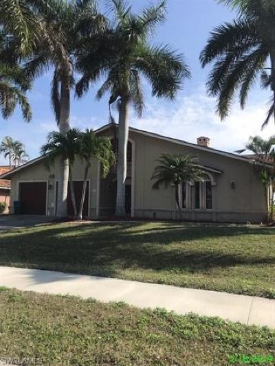 Cape Coral Single Family Home For Sale: 4827 Sands Blvd