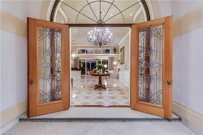 Naples Single Family Home For Sale: 4688 Oak Leaf Dr
