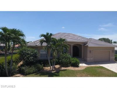 Marco Island Single Family Home For Sale: 747 Orchid Ct