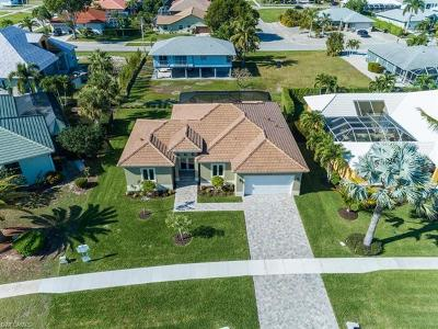 Marco Island Single Family Home For Sale: 220 Sand Hill St