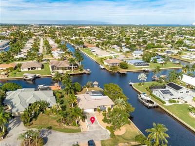 Cape Coral Single Family Home For Sale: 3311 SE 16th Pl