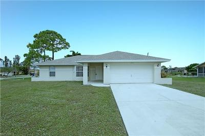 Fort Myers Single Family Home For Sale: 17412 Meadow Lake Cir