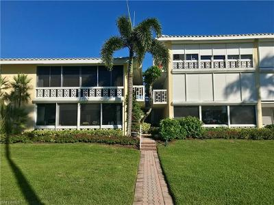Naples Condo/Townhouse For Sale: 2082 N Gulf Shore Blvd #104