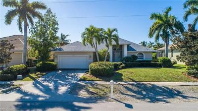 Marco Island Single Family Home For Sale: 1827 Woodbine Ct