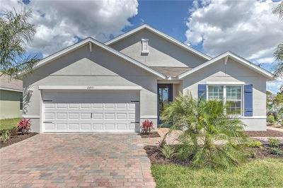 Fort Myers Single Family Home For Sale: 8313 Trillium Rd