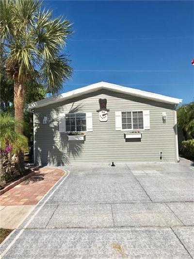 Naples Single Family Home For Sale: 1591 Diamond Lake Cir