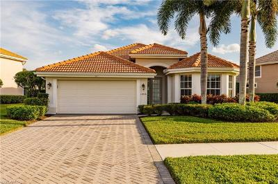 Naples Single Family Home For Sale: 11816 Bramble Ct