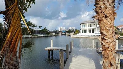 Marco Island Single Family Home For Sale: 364 Copperfield Ct