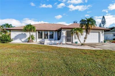 Naples Single Family Home For Sale: 157 Willoughby Dr