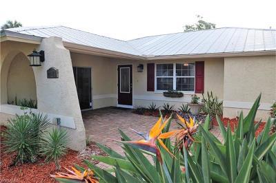 Bonita Springs Single Family Home For Sale: 27171 Holly Ln