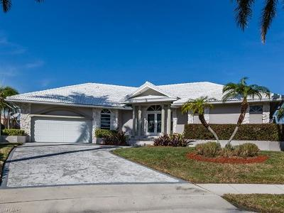 Marco Island Single Family Home For Sale: 335 Cottage Ct