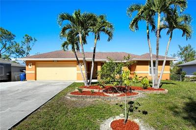 Fort Myers Single Family Home For Sale: 8389 Blackberry Rd