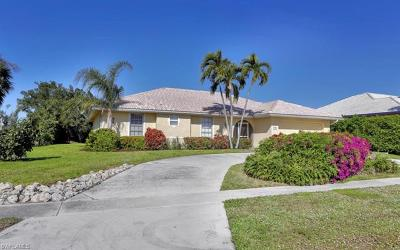 Marco Island Single Family Home For Sale: 600 Dorando Ct
