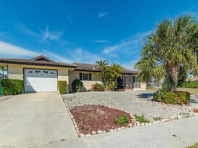Marco Island Single Family Home For Sale: 84 Buttercup Ct