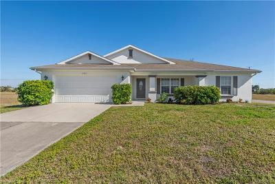 Cape Coral Single Family Home For Sale: 2521 NE 5th Ave