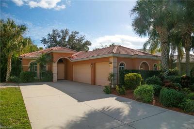 Naples Single Family Home For Sale: 8304 Laurel Lakes Blvd