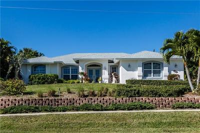 Marco Island Single Family Home For Sale: 1760 Granada Dr