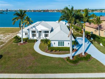 Marco Island Single Family Home For Sale: 680 S Barfield Dr