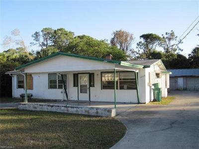 Naples Single Family Home For Sale: 3020 Barrett Ave