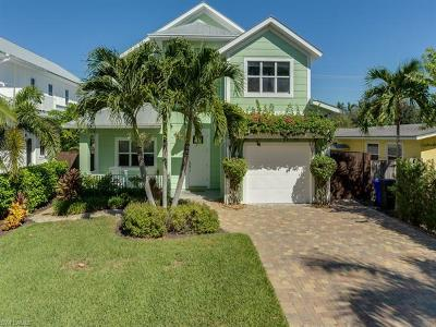 Naples Single Family Home For Sale: 731 Myrtle Ter