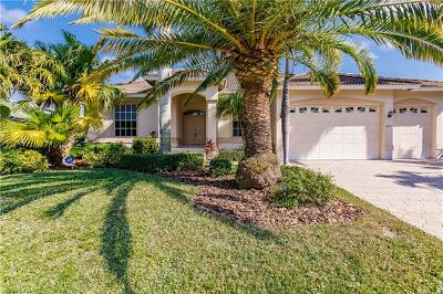 Marco Island Single Family Home For Sale: 237 N Barfield Dr