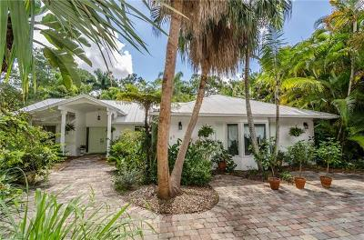 Naples Single Family Home For Sale: 2620 SW 66th St