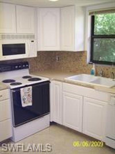 Naples Condo/Townhouse For Sale: 1440 Green Valley Cir #603