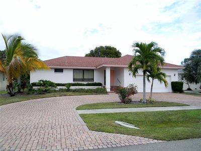 Marco Island Single Family Home For Sale: 65 Tahiti Rd