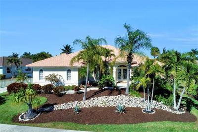 Marco Island Single Family Home For Sale: 772 Saturn Ct