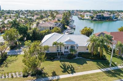 Marco Island Single Family Home For Sale: 595 Tigertail Ct