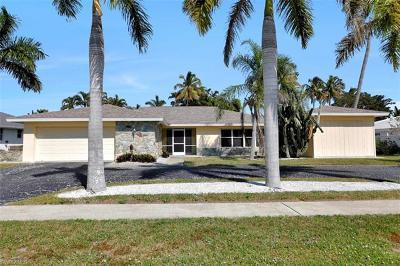 Marco Island Single Family Home For Sale: 233 Shadowridge Ct