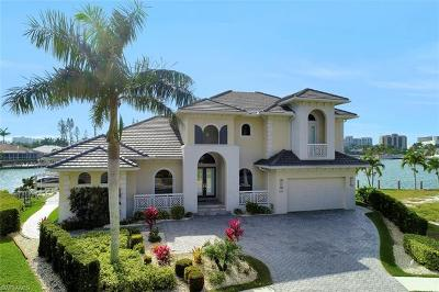 Marco Island Single Family Home For Sale: 499 Adirondack Ct
