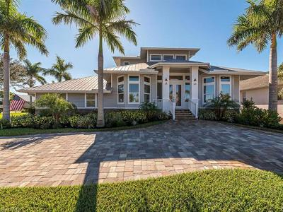 Marco Island Single Family Home For Sale: 1267 Mistletoe Ct